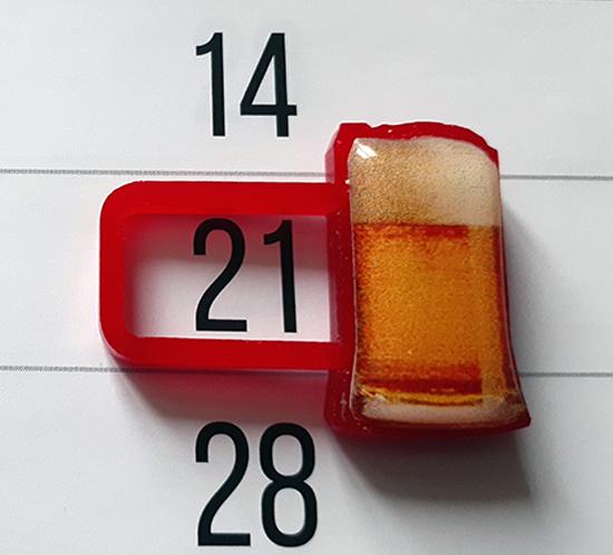 Магнитный курсор в форме бокала с пивом